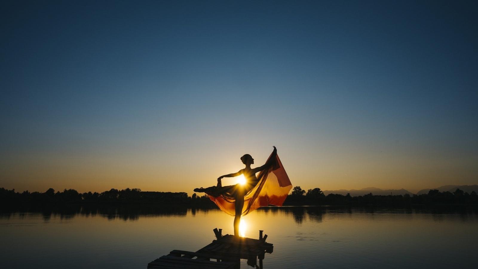ballerina sul lago